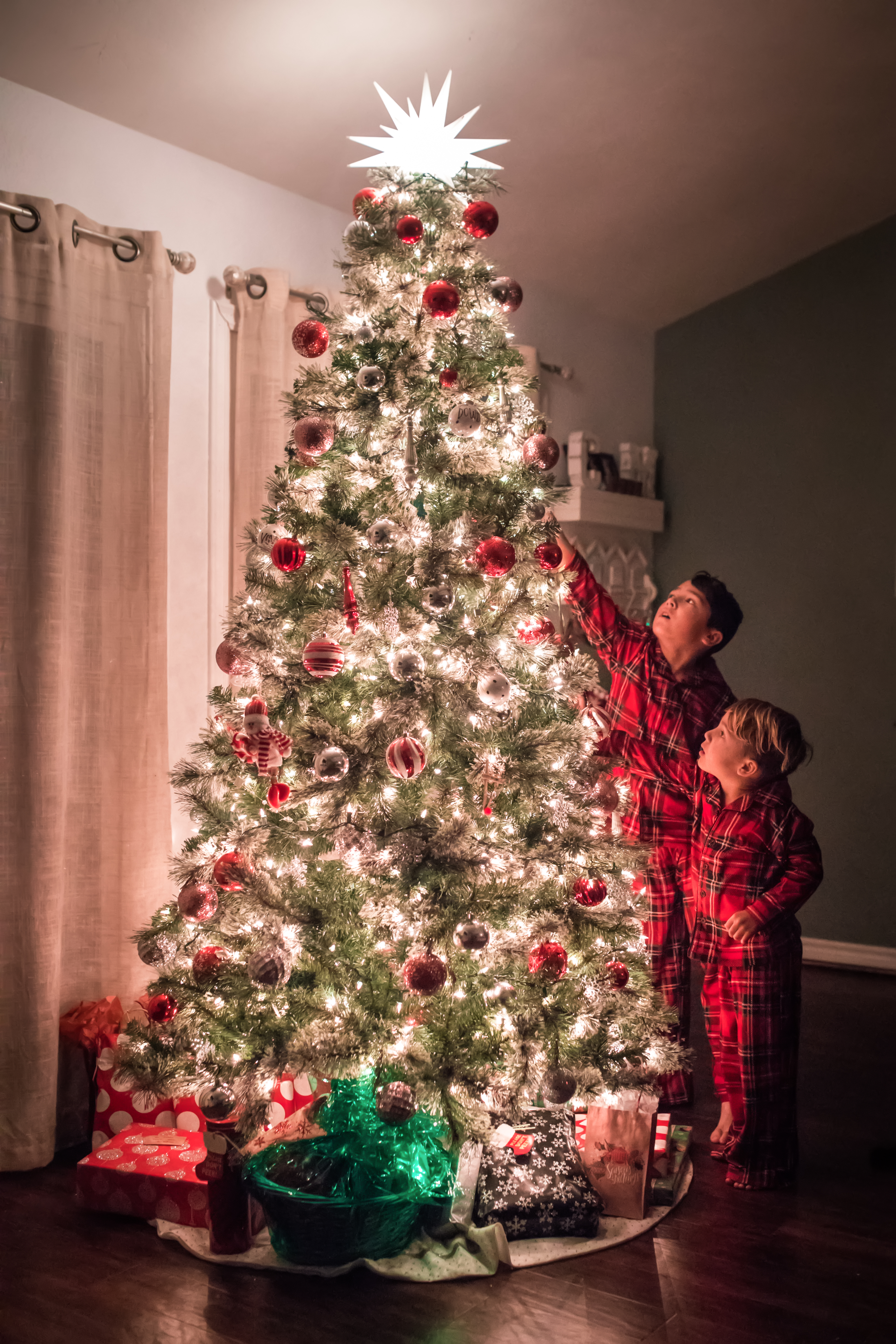 2018 Christmas Tree Sessions By All Colors Photography San Diego Newborn Photographer All Colorsphotography